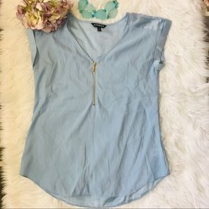 🦋NWOT GORGEOUS SILKY BLOUSE FROM EXPRESS